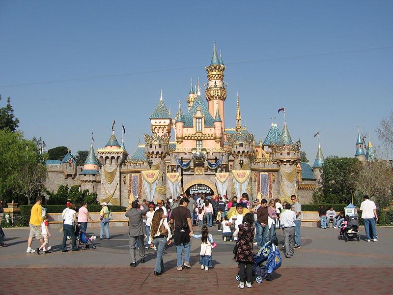 Mỹ: Khu du lịch Disneyland bùng phát dịch sởi