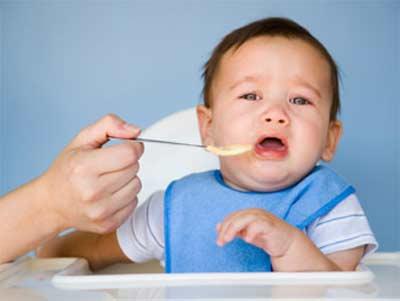 Có nên cho trẻ sơ sinh dùng cốm vi sinh?