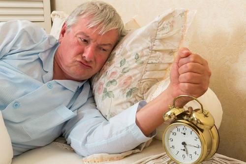 Mất ngủ có thể khiến người già bị mất trí nhớ