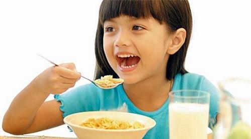 childeatingbreakfast-9500-1378968708.jpg