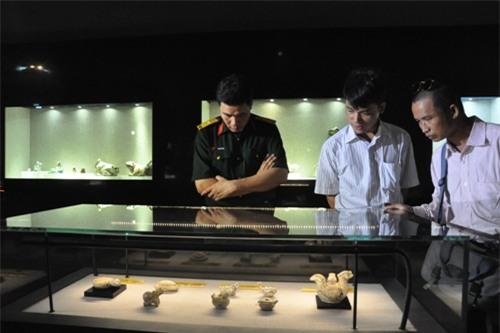 Triễn lãm Tượng gốm cổ Việt Nam tại Hà Nội