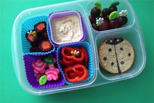 Những hộp cơm trưa nghệ thuật mẹ dành cho bé - Ảnh 6