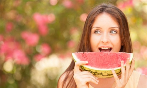 Ways to Stay Hydrated this Hot Summer
