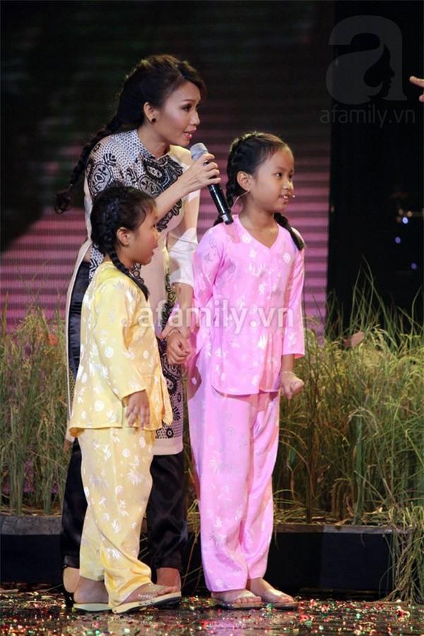 Ca sĩ Cẩm Ly: Vào đẻ bé thứ hai, khóc cho bé thứ nhất 4