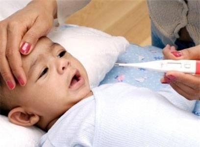Trẻ bị sốt cao có nên tự ý dùng thuốc chống co giật?