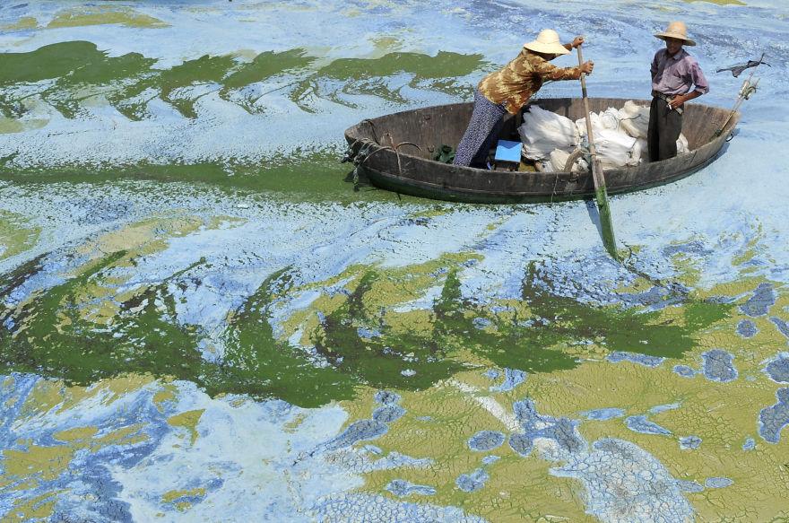 Sốc với những hình ảnh ô nhiễm môi trường ở Trung Quốc - Ảnh 5
