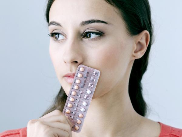 Uống thuốc tránh thai lâu dài có bị vô sinh?