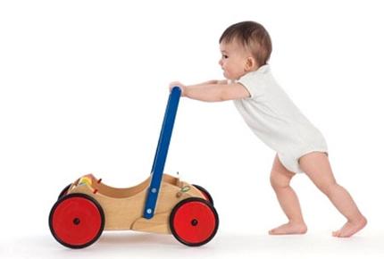 Những bí kíp giúp bé học đi nhanh