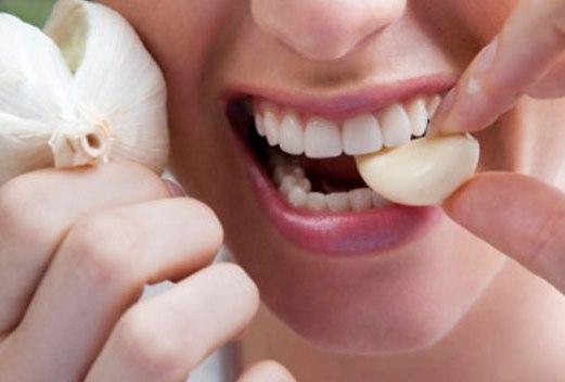 Tỏi và nghệ - 2 thực phẩm giải độc gan không thể bỏ qua