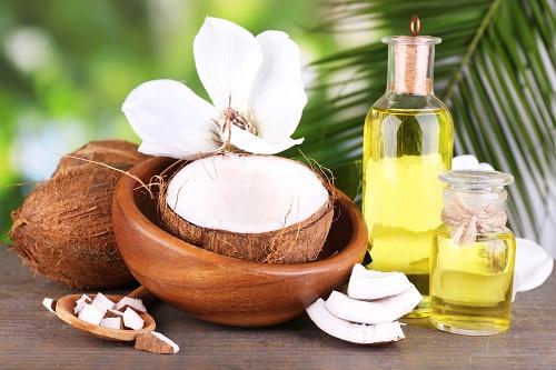 Điều trị các vấn đề thường gặp trong mùa hè với dầu dừa (P.2)