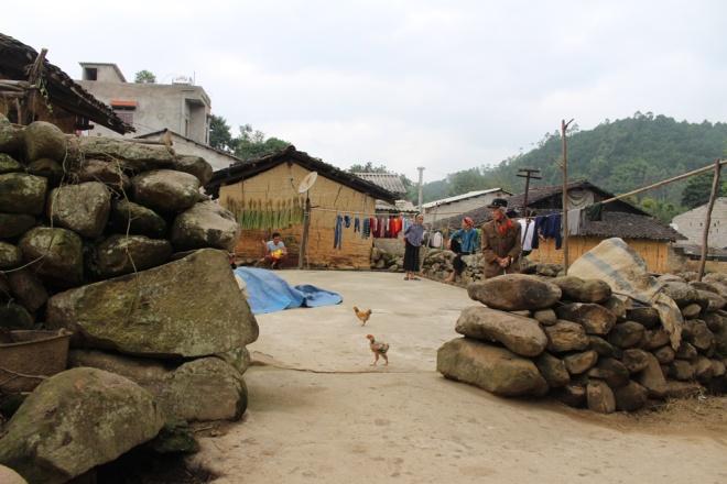 Ngôi làng được quây bằng đá ở Lạng Sơn - Ảnh 1