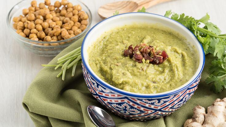 Soup đậu nóng hổi ngày Đông lạnh: Còn hơn là một món ăn