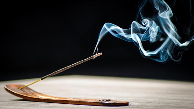 Khói hương, khói nhang có hại cho sức khỏe như thế nào?