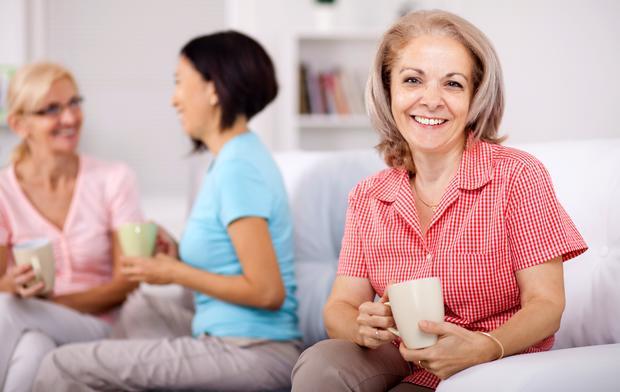 Những thông tin cần biết về bệnh loãng xương ở người cao tuổi - Ảnh 1