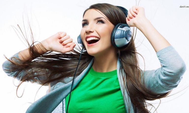 4 cách ngăn ngừa mất thính lực khi nghe nhạc thường xuyên - Ảnh 1